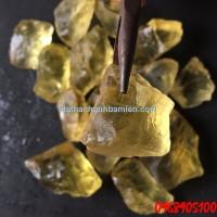 đá thạch anh vàng thô hợp với những người mệnh thổ